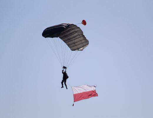 De dropping van de Poolse parachutisten